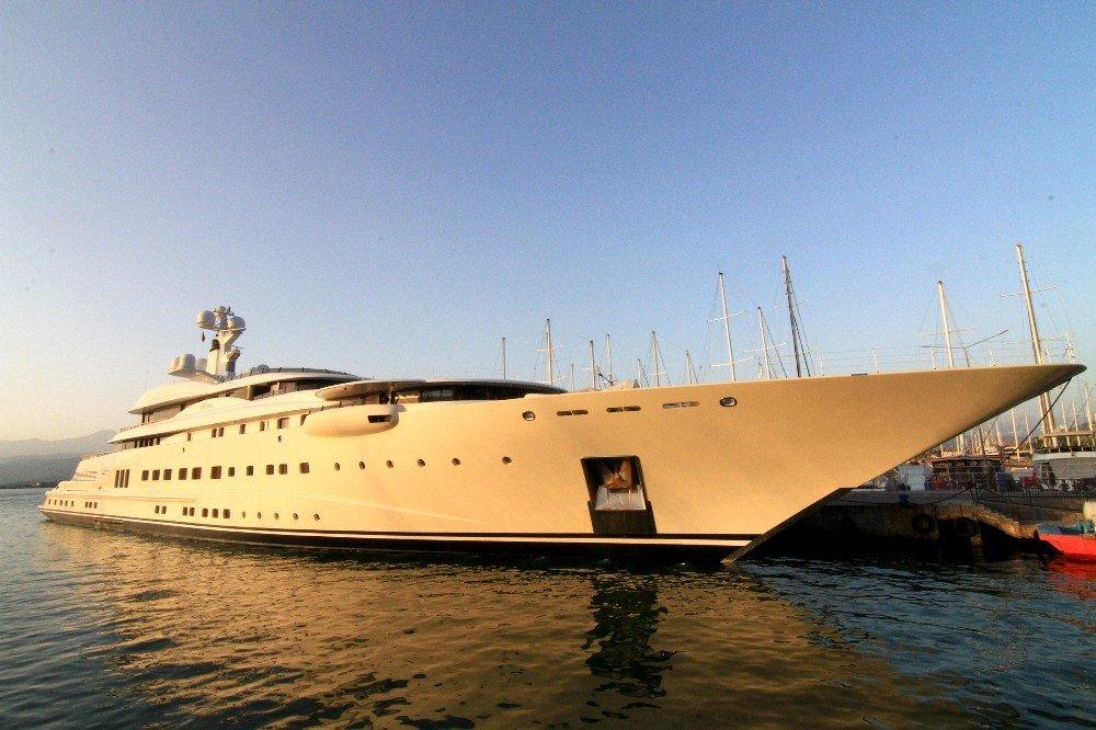 Şeyh Abdullah Bin Zayed Al Nahyan'ın yatı Fethiye'den 1 milyonluk yakıt aldı