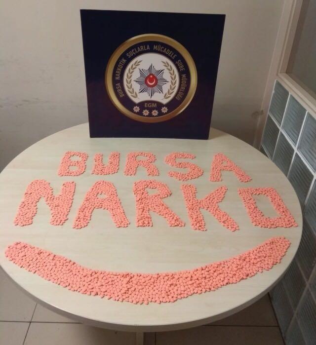 3 bin 400 adet uyuşturucu hapla yakalandılar