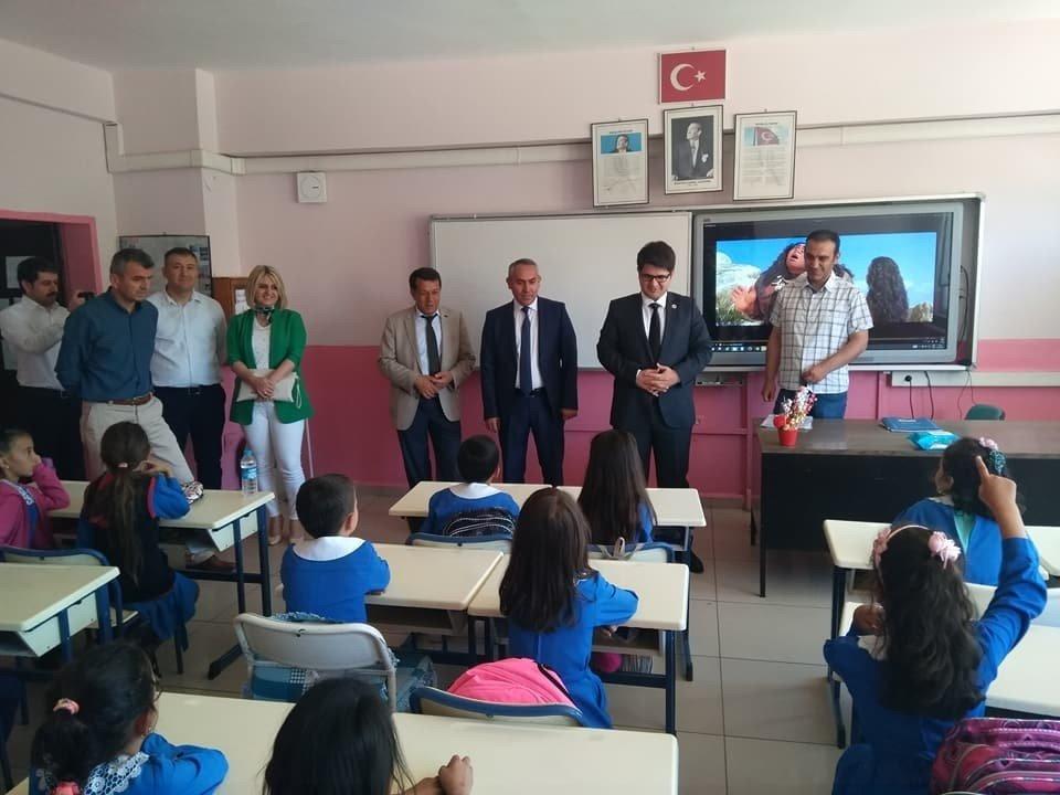 Daday'da öğrenciler karnelerini aldı