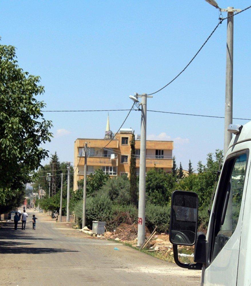 Dicle Elektrik Ulubağ'da 25 yıllık şebekeyi yeniledi