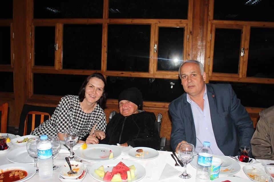 Süloğlu Kaymakamı Akın vatandaşlarla iftar yaptı