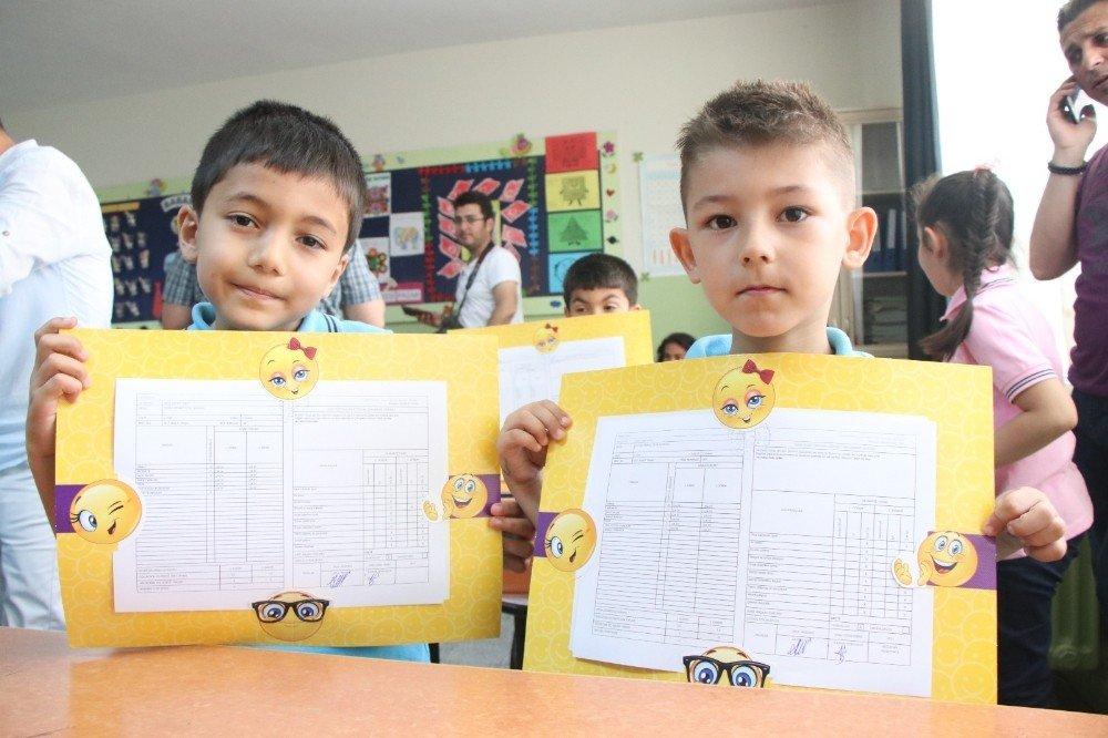 Edirne'de 56 bin 91 öğrenci karne heyecanı yaşadı
