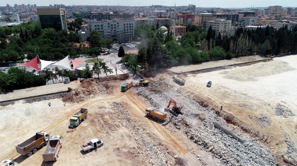 Gaziantep'te 65 yıllık köprü yıkıldı