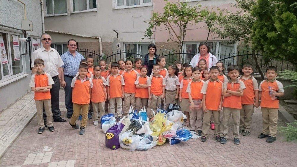 Atatürk İlkokulu öğrencilerinden duyarlı davranış