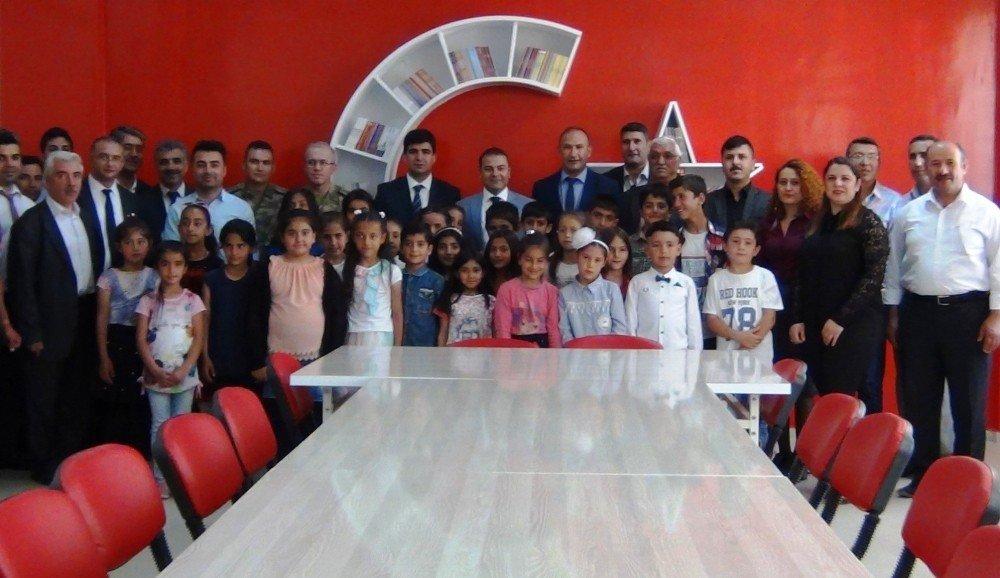 Erciş'te 53 bin öğrenci karne sevinci yaşadı