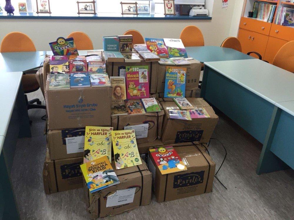 """TSO hastanede tedavi gören çocuklara """"Kitap getirdim sana"""" kampanyası"""