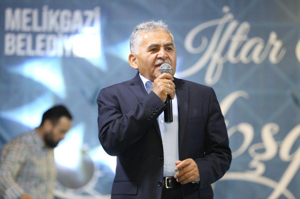 Başkan Büyükkılıç, Yeniköy halkıyla iftarda bir araya geldi