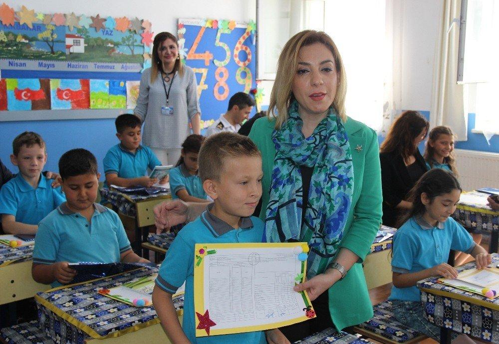 Muğla'da 150 bin öğrenci karne sevinci yaşadı