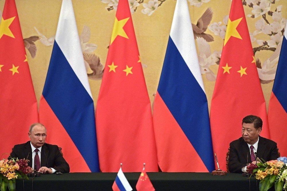 Putin ve Xi Jinping ile görüştü
