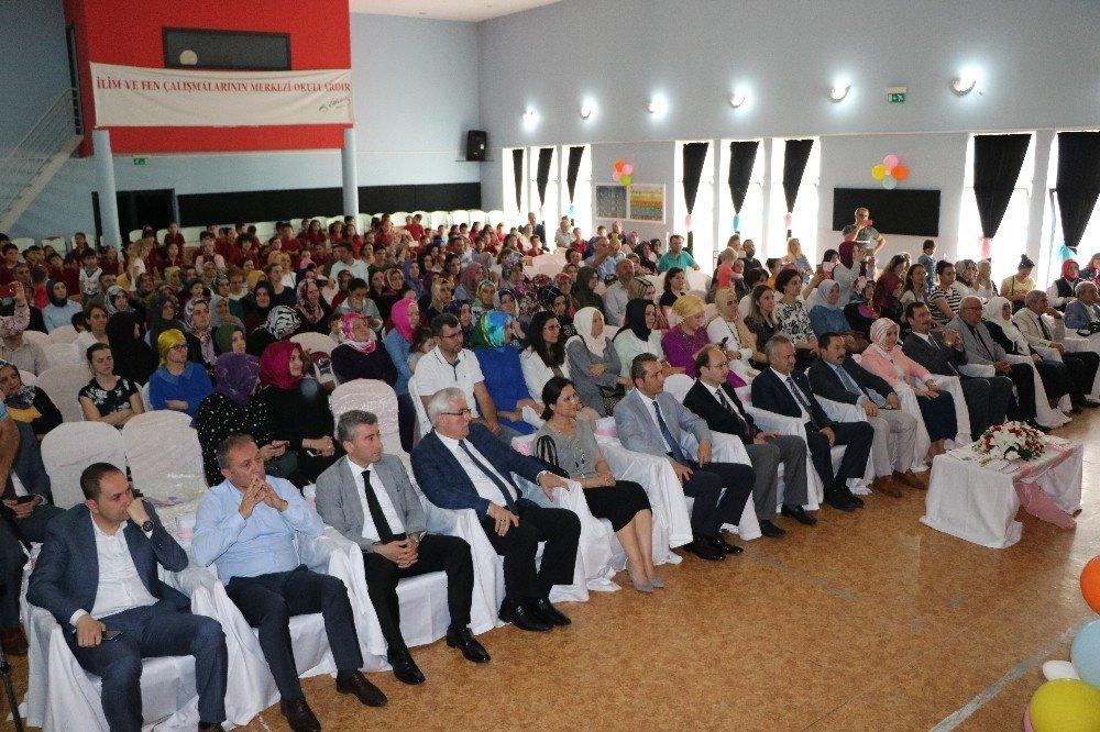 Sakarya'da 186 bin 68 öğrenci karne aldı