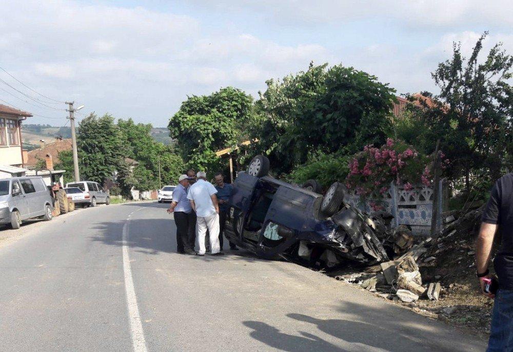 Sürücüsünün kontrolünden çıkan otomobil takla attı: 2 yaralı