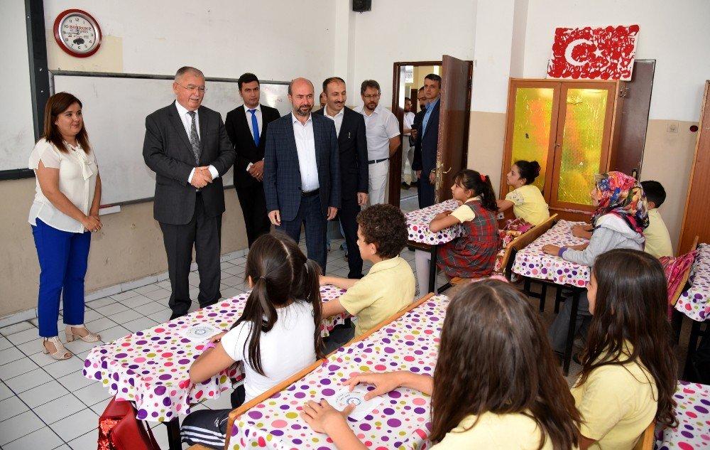 Başkan Pekyatırmacı, öğrencilerin karne sevincine ortak oldu