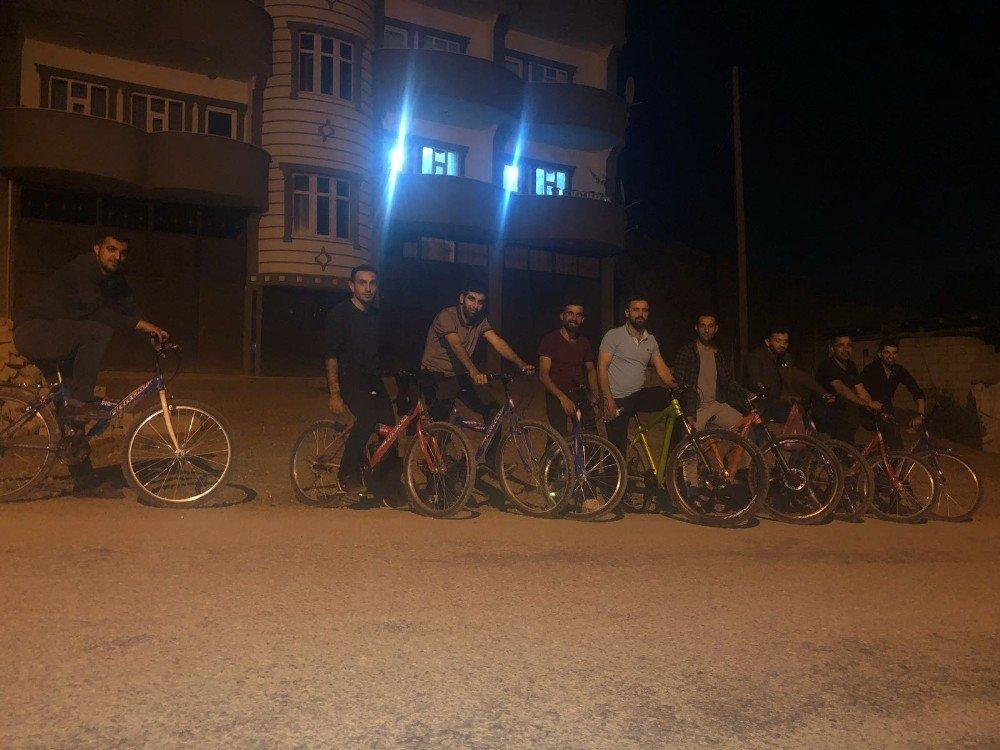 Şemdinli de iftardan sonra bisiklet gezintisi
