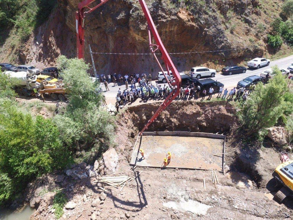 Tunceli'de 60 yıllık ulaşım sorunu, 71 metrelik köprü ile çözülüyor