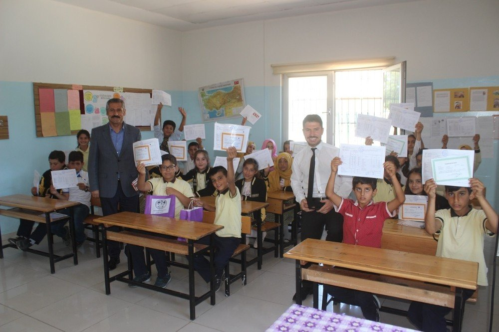Yavuzeli'nde 5 bin 300 öğrenci karne aldı