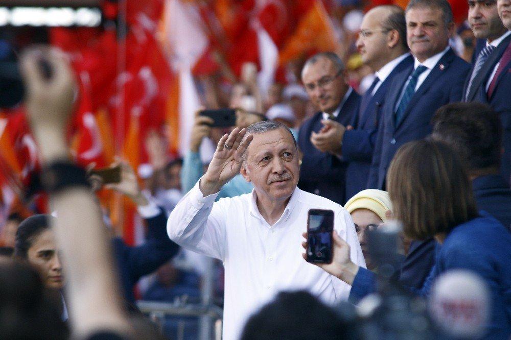 """Cumhurbaşkanı Erdoğan: """"Bay Kemal görüyor musun bunlar yan gelip yatarak olmadı"""""""