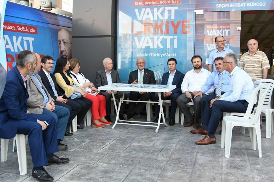"""Yılmaz: """"AK Parti iktidarıyla birlikte ülkeye huzur geldi"""""""
