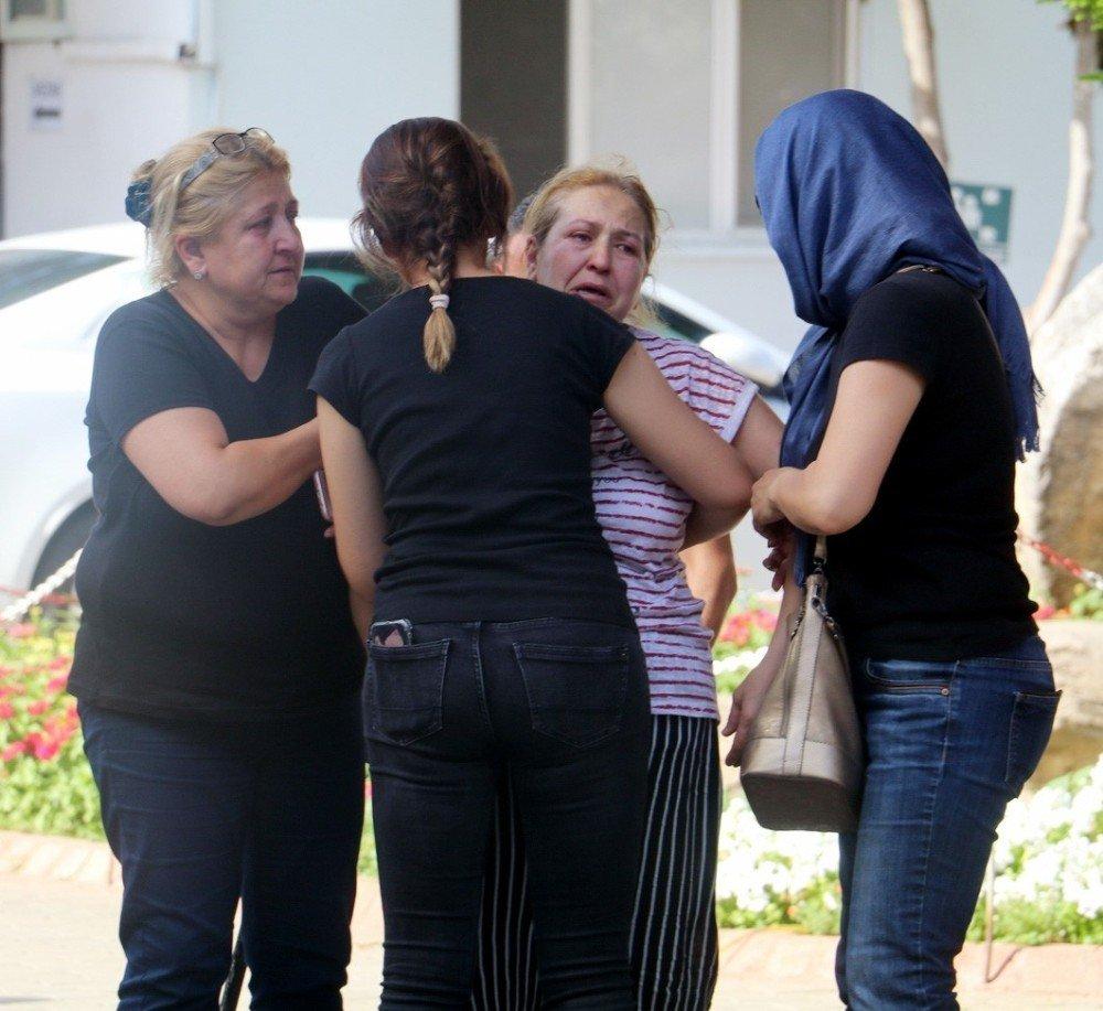 Kazada ölen anne ile bebeği aynı mezara konuldu
