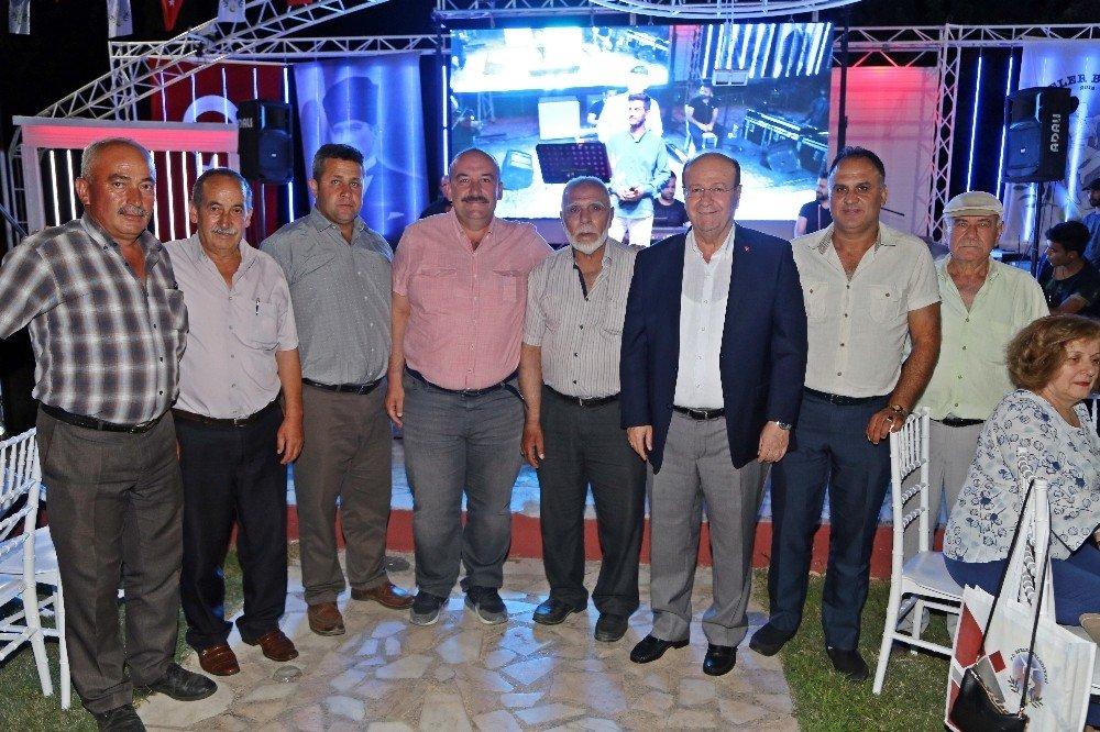 Başkan Özakcan, meclis üyeleri ve muhtarlarla iftarda buluştu