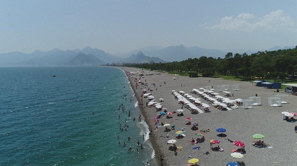 Meteoroloji uyardı Antalyalılar sahillere akın etti