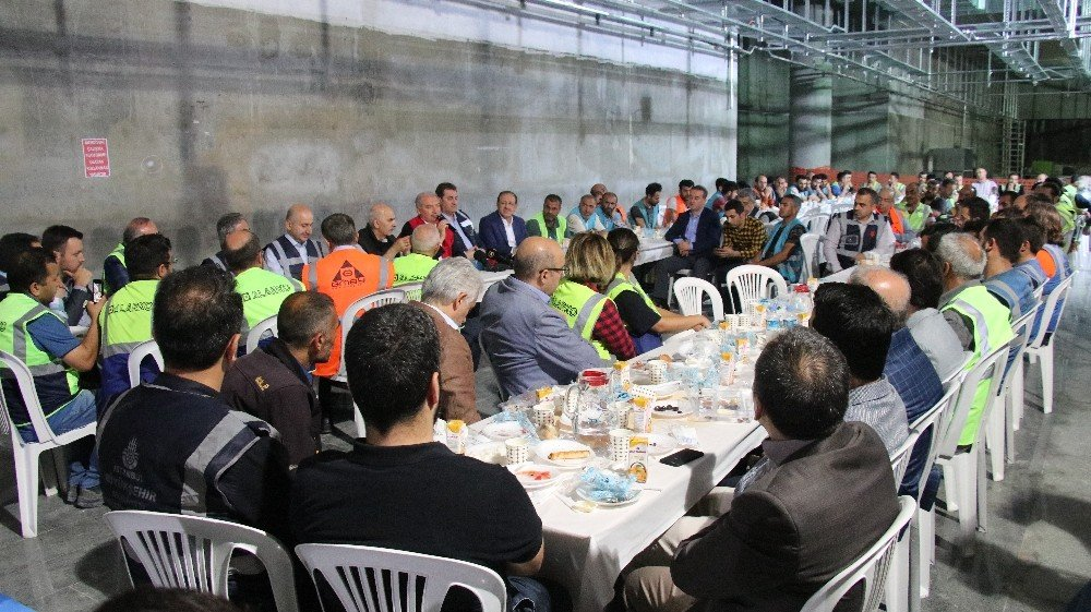 Mevlüt Uysal Mecidiyeköy Mahmutbey Metro inşaatının bitiş tarihini açıkladı