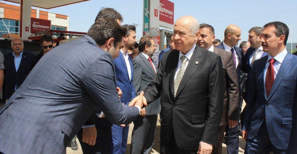 MHP'liler Bahçeli'yi Turan köyünde karşıladı