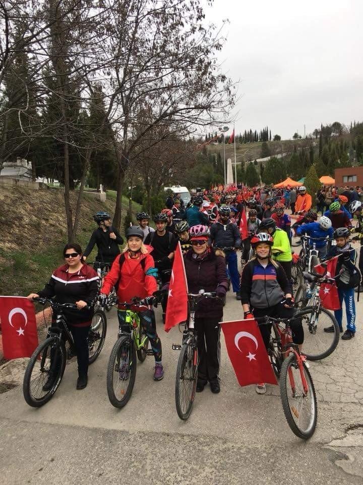 Türk Bayrağı 'Türk Kadının Zaferi Bisiklet Turu' ile elden ele gezecek