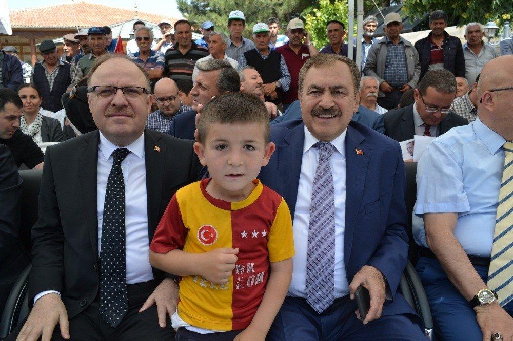 Bakan Eroğlu baba ocağı Şuhut'ta