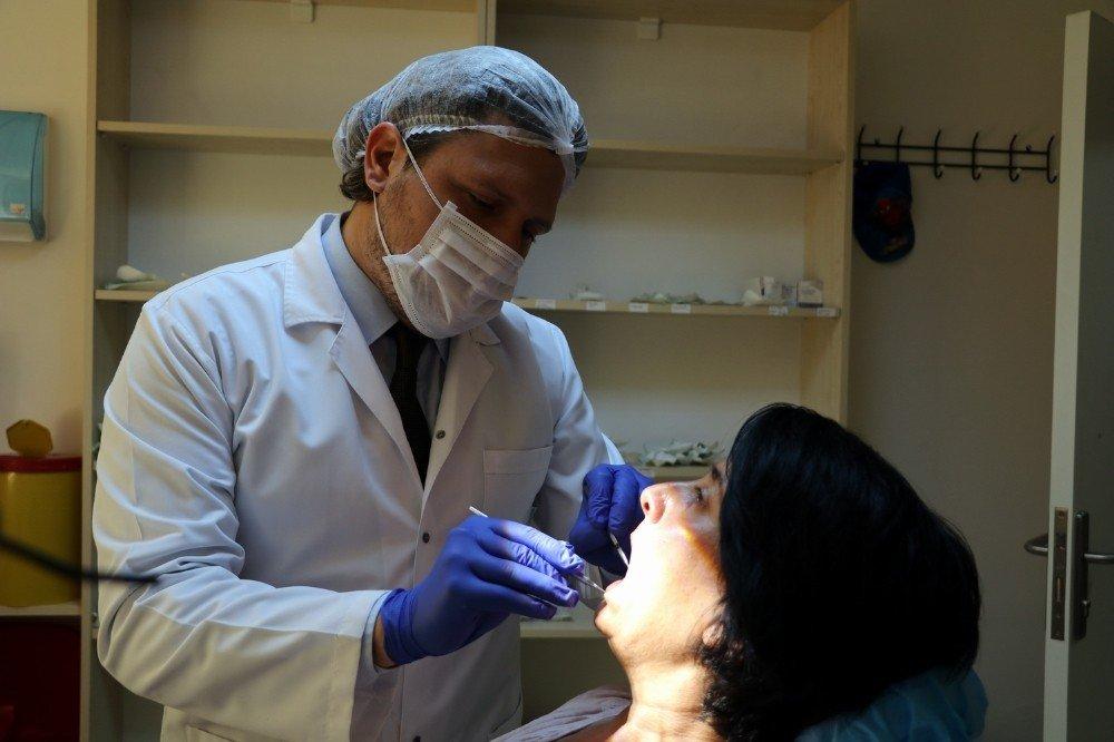 'Bembeyaz dişlerim olsun' dedikten sonra 32 dişinden olan o kadına müjdeli haber