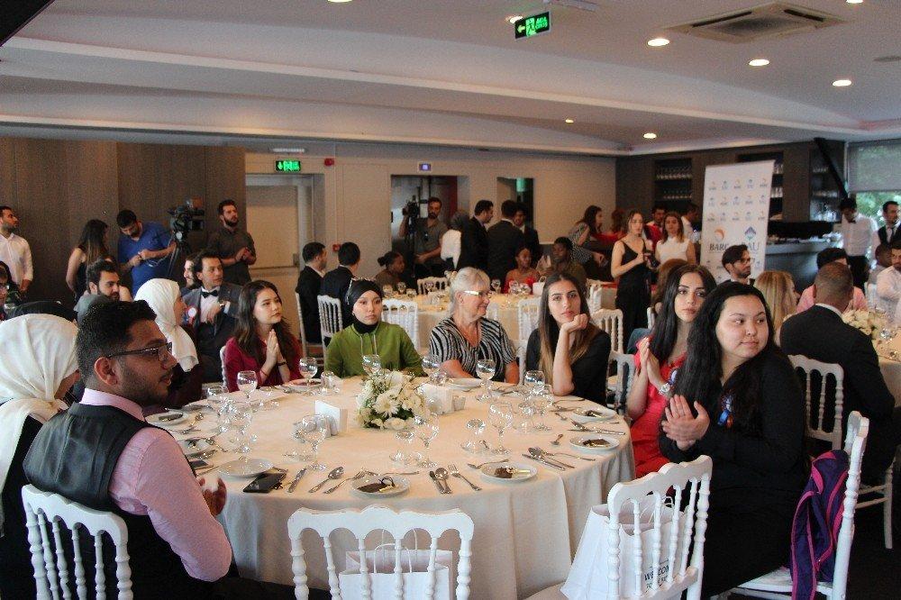 BAU uluslararası öğrencilerini mezun etti