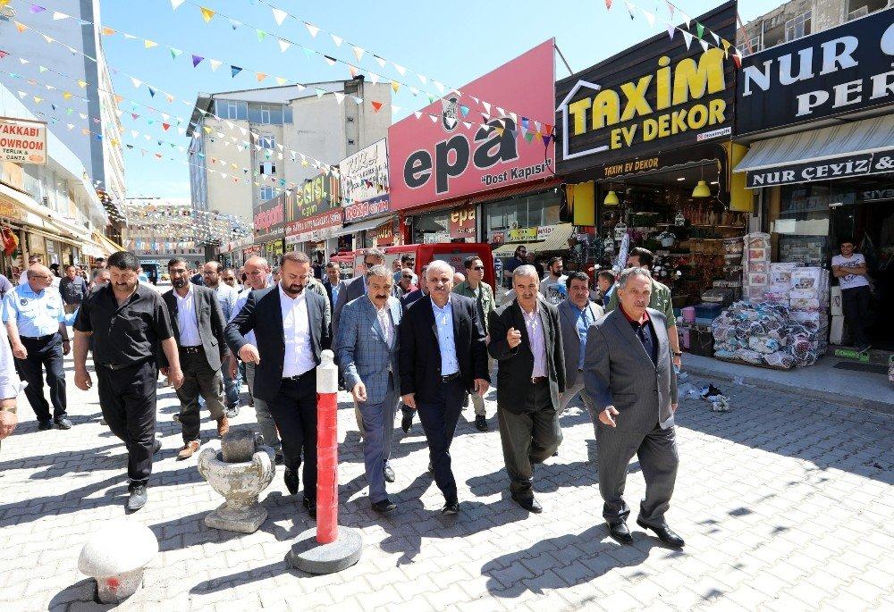 Vali Zorluoğlu'ndan Rus Pazarı esnafına geçmiş olsun ziyareti