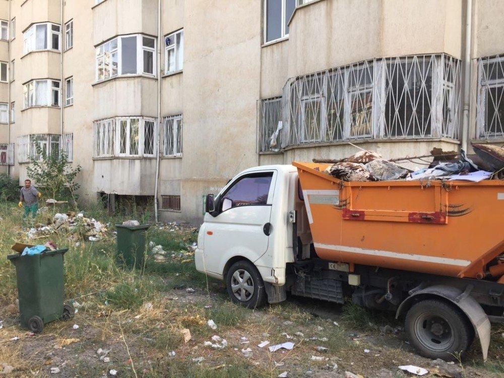 Belediye ekiplerinden temizlik