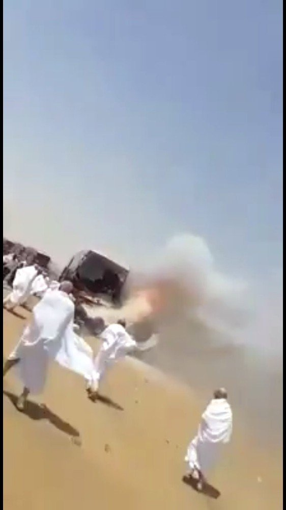 Antalyalı hacı adaylarını taşıyan otobüs Medine'de alev alev yandı