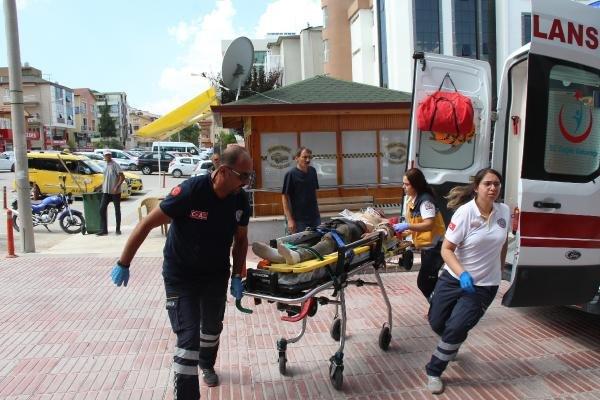 Başına mermer parçası düşen işçi yaralandı