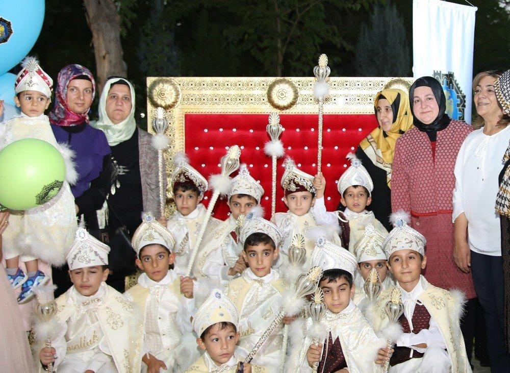 Büyükşehir Belediyesinden çocuklara sünnet şöleni