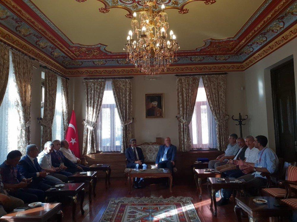 Gazeteciler Ardahan'da buluştu