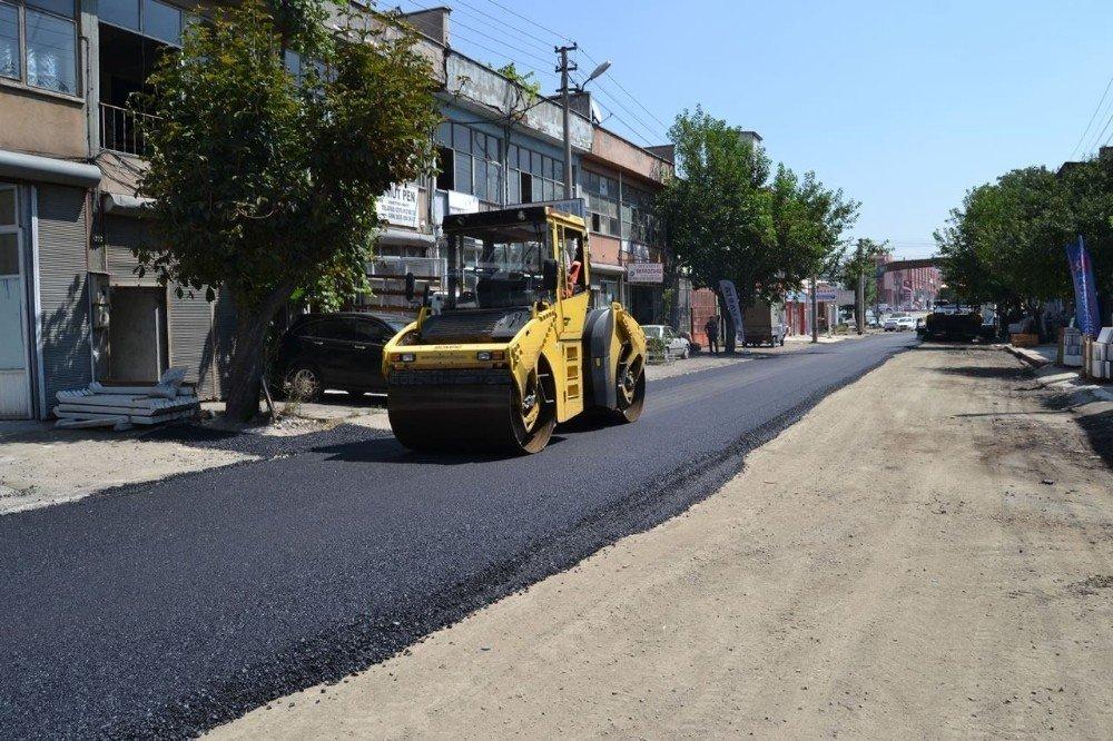Bağ Essan Sanayi Sitesi'nde sıcak asfalt çalışmaları başladı