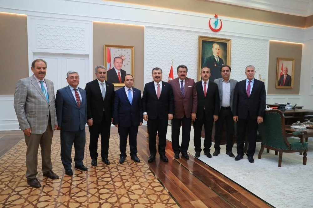 Başkan Kale Ankara'da bir takım ziyaretlerde bulundu