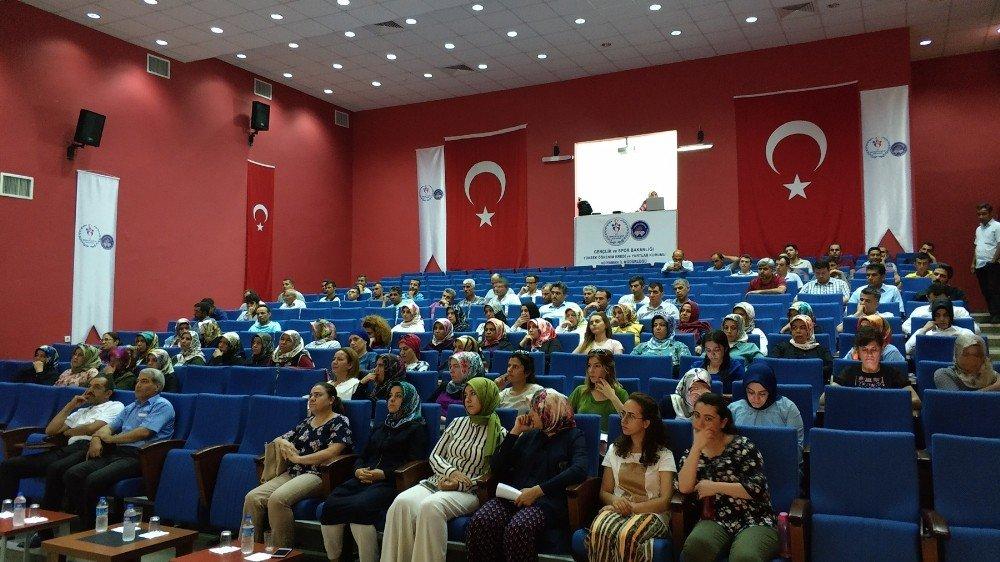 Kadına Yönelik Şiddetle Mücadele konulu seminer verildi