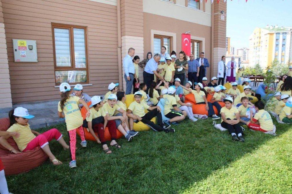 Başkan Büyükkılıç, yaz okulu öğrencileri ile spor yaptı