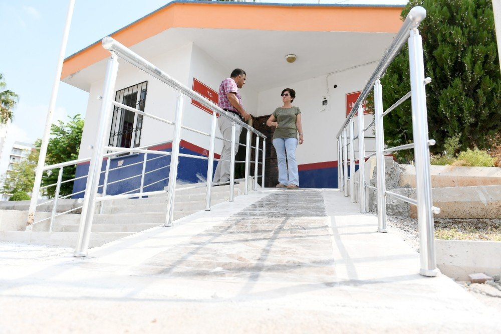 Büyükşehir'den muhtarlıklara engelli rampası