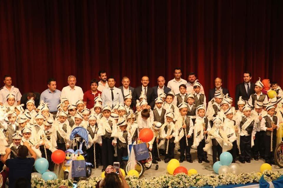 Vali Yavuz, makam aracını sünnet çocuklarına tahsis etti