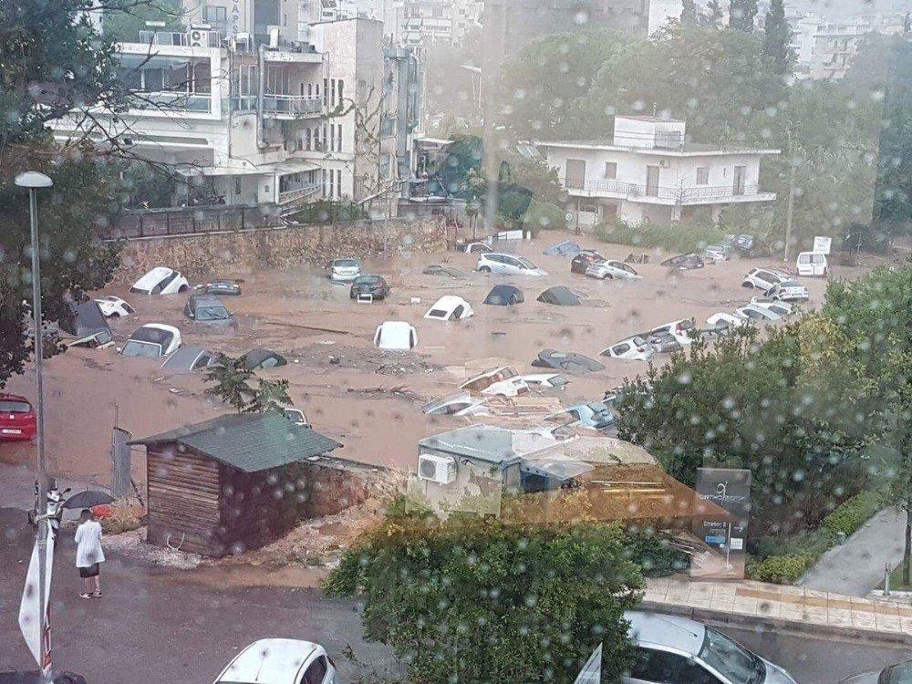 Yunanistan şimdi de sel ile boğuşuyor