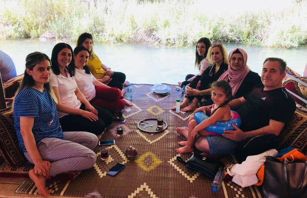 Mardin'de doktordan hastalarına piknik