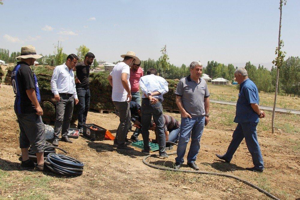 Mesire alanında çimlendirme çalışması