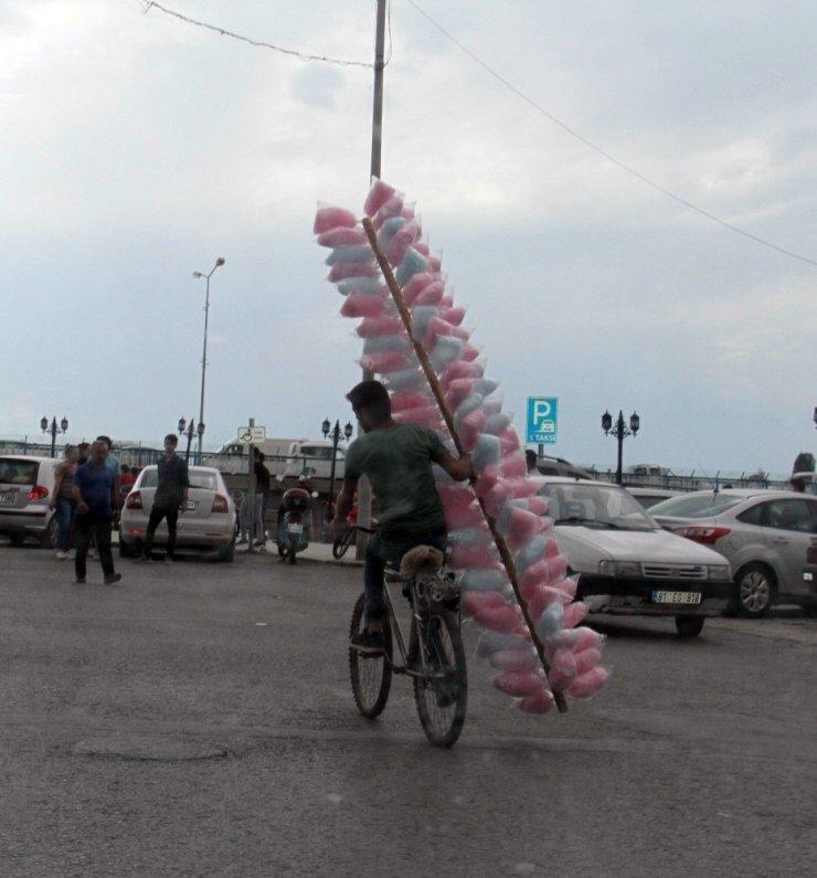 Pamuk şekerin bisikletle ilginç seyahati
