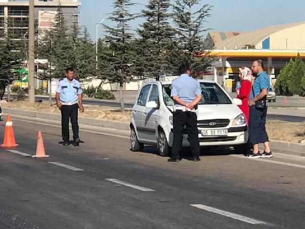 Yolun karşısına geçerken otomobil çarpan yaşlı adam öldü