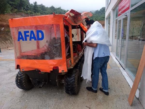 Sağanakta dağlık alanda kalanları AFAD ekibi kurtardı