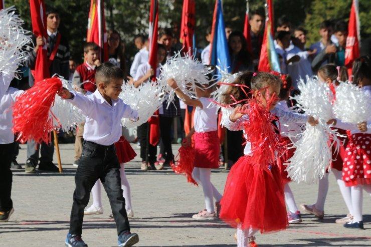 Hekimhan'da 29 Ekim kutlamaları