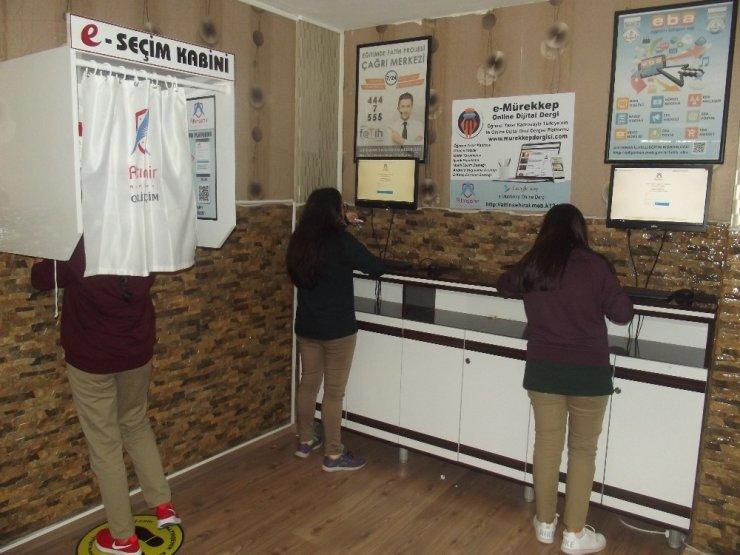 Altınşehir Anadolu Lisesinde e-seçim uygulaması